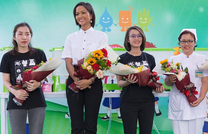 [Caption Cũng nhân sự kiện này, Labobo đã tặng Bệnh viện Nhi đồng 2 20 thiết bị rửa tay tự động và 200 phần quà cho các bé thiếu nhi để tiếp tục lan tỏa thông điệp Vì một Việt Nam khỏe mạnh hơn. Sự kiện đặc biệt này cũng sẽ được diễn ra tại Bệnh viện Nhi đồng 1 vào ngày 17/10/2019.