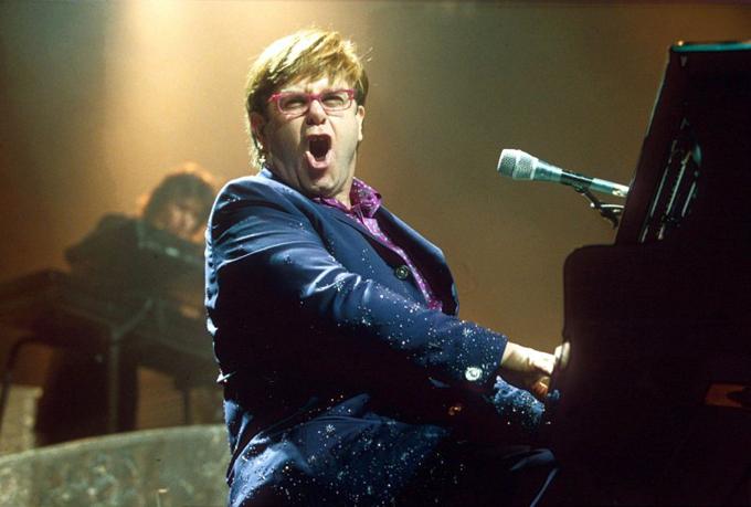 Ca sĩ Elton John. Ảnh: Shutterstock.