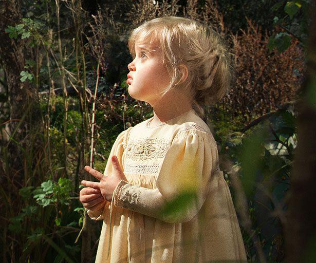 Hè năm 2012, Vivienne tham gia đóng phim Maleficent cùng mẹ tại trường quay ở Anh. Khi đó, cô bé mới được 5 tuổi. Nhóc tỳ bé bỏng nhà Jolie-Pitt thủ vai công chúa Aurora lúc còn bé.