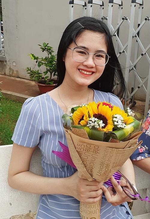 Cô gái có nụ cười tươi rói và sở hữu bảng thành tích khủng từng có 3 năm vật lộn với căn bệnh trầm cảm.