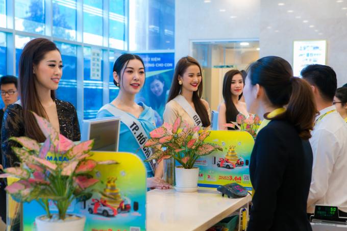 Top 60 tham quan không gian giao dịch sang trọng tại Nam A Bank - ngân hàng đồng hành cùng cuộc thi.