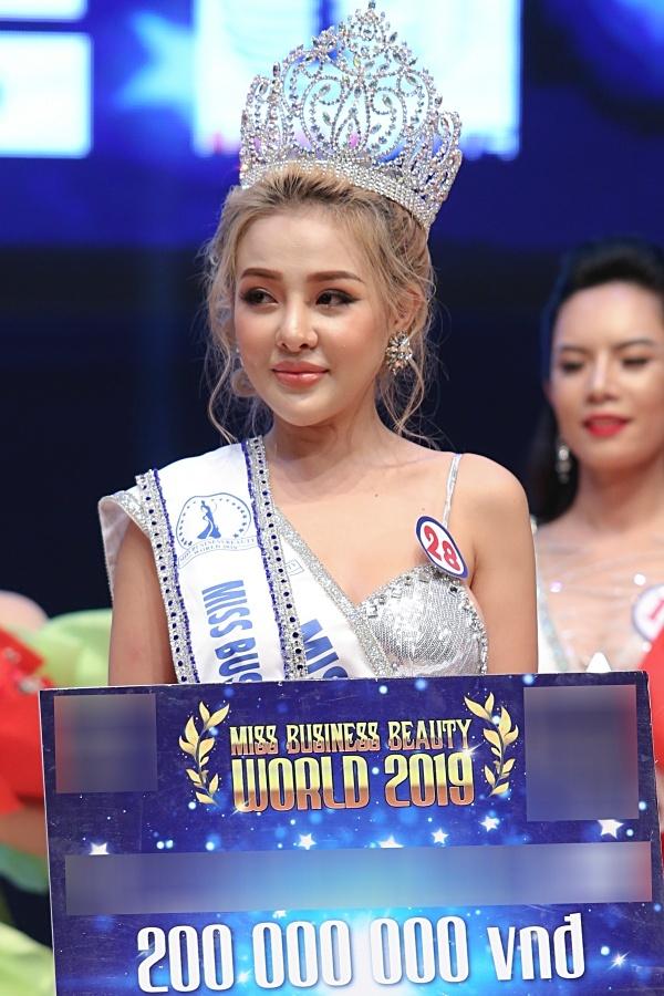 Tình cũ Lương Bằng Quang đăng quang Á hậu Sắc đẹp Thế giới - 1