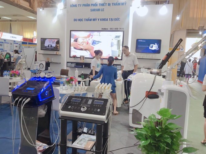 Sarha Le là công ty phân phối thiết bị làm đẹp tại Việt Nam.