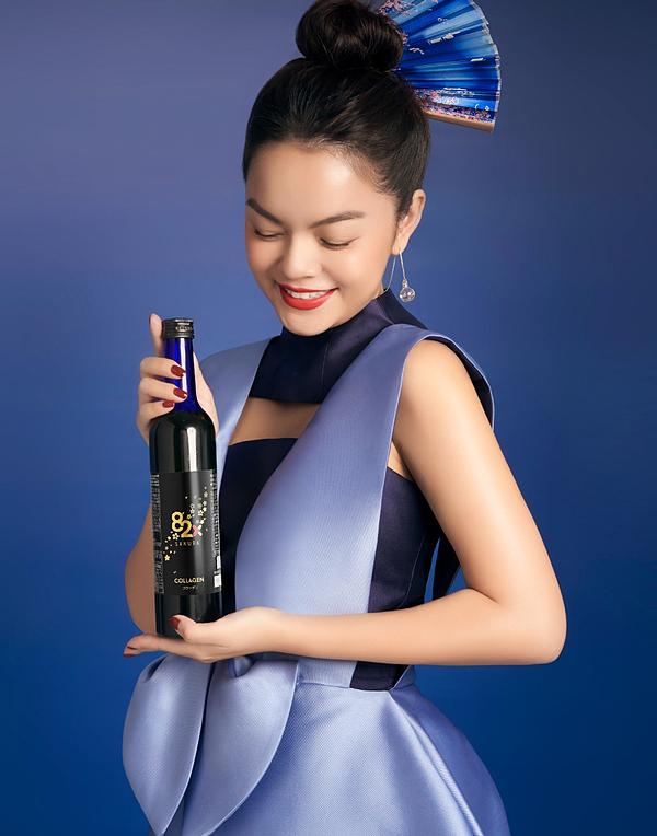 Phạm Quỳnh Anh lựa chọn nước uống 82X Collagen đồng hành trên con đường gìn giữ giá trị bản thân.