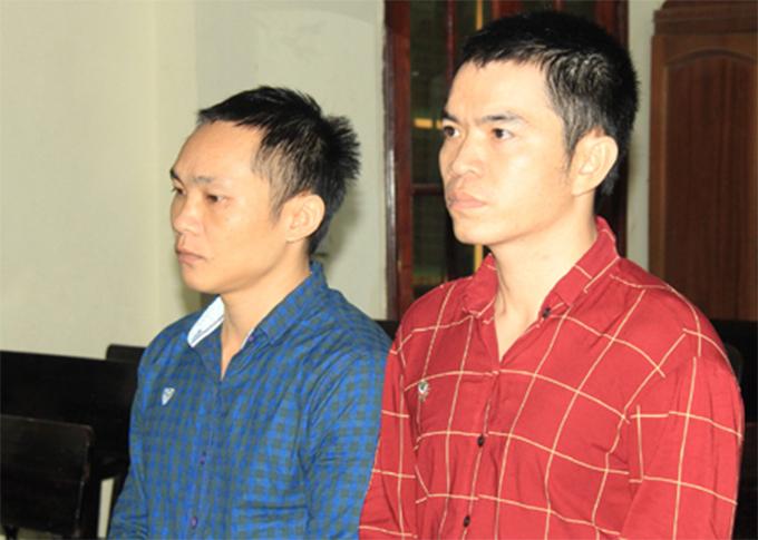 Hai bị cáo tại tòa. Ảnh: H.N