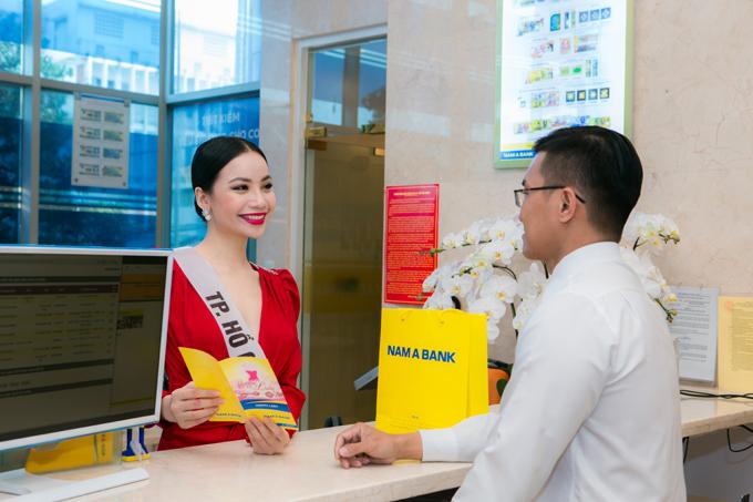 Các gói sản phẩm dịch vụ của Nam A Bank cũng thu hút sự quan tâm của các người đẹp. Nam A Bank bởi có nhiều tiện ích đặc biệt dành riêng cho phụ nữ như lãi suất tiền gửi cao hơn, giảm lãi suất cho vay, miễn giảm các loại phí dịch vụ cùng hàng loạt đãi từ thẻ tín dụng quốc tế JCB của gói sản phẩm này, Nguyễn Diana - thí sinh mang dòng máu lai giữa Nga - Việtước mơ trở thành doanh nhân trong lĩnh vực tài chính chia sẻ.