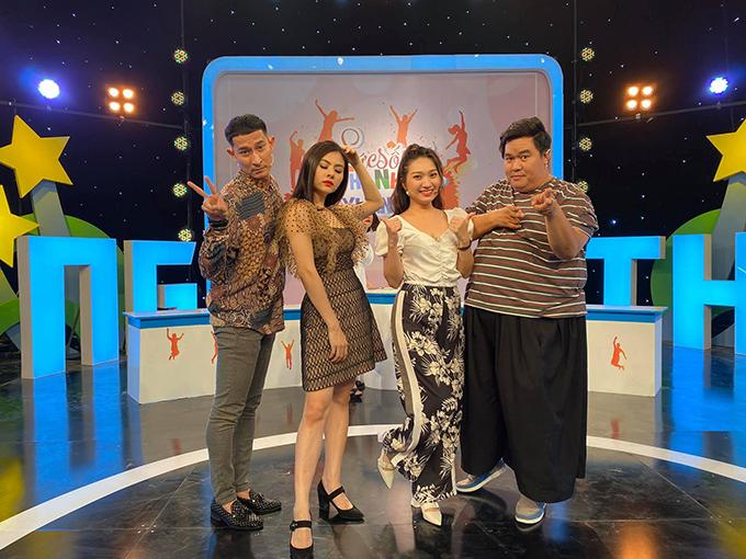 Diễn viên Vân Trang, Huy Khánh, Hoàng Mập... nhí nhảnh khi tham gia gameshow.