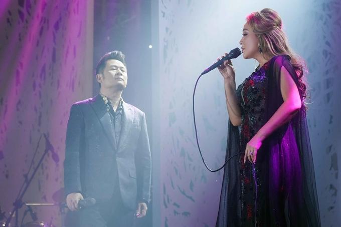 Hai ca sĩ hòa giọng ăn ý trên sân khấu. Cặp đôi được công chúng yêu mến khi hát chung nhiều nhạc phẩm như: Cơn gió thoảng, Trái tim tội lỗi...