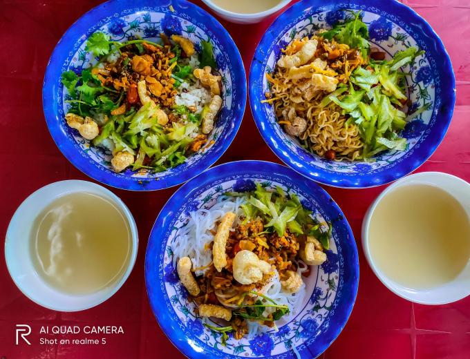 Cầm 500k oanh tạc Food tour đất Huế 1 ngày - xin edit - 2