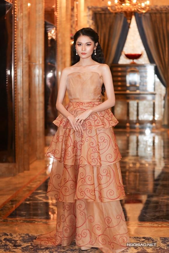 Á hậu Thùy Dung là một trong các ngôi sao có mặt ở sự kiện tối qua.