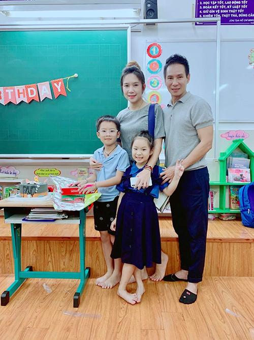 Vợ chồng Lý Hải - Minh Hàđến lớp tổ chức sinh nhật mừng con trai đầu Rio tròn 8 tuổi.