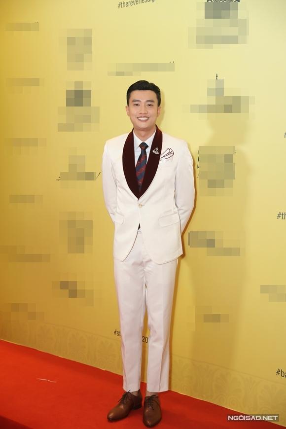 Nhờ vai diễn lăng nhăng trong phim Về nhà đi con, Quốc Trường được vinh danh với giải Nam diễn viên của năm.