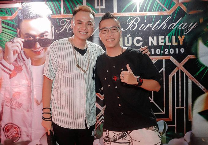 Nhạc sĩ Hoàng Rapper đến dự sinh nhật Phúc Nelly.