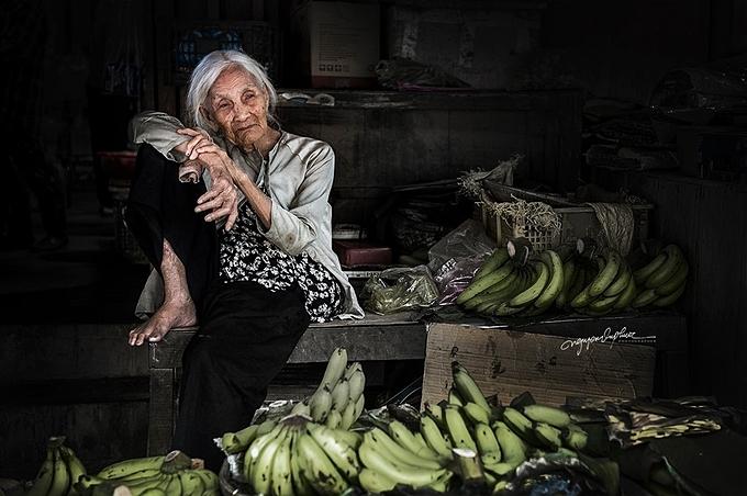 Bản thân có mẹ đã mất cách đây 9 năm, mỗi lần chụp ảnh những bà cụ ở mọi miền đất nước, Nguyễn Vũ Phước đã gửi cảm xúc của mình dành cho mẹ anh qua mỗi bức ảnh. Anh cầu mongcho những người phụ nữ luôn mạnh khỏe, sống lâu bên con cháu, gia đình sum họp.