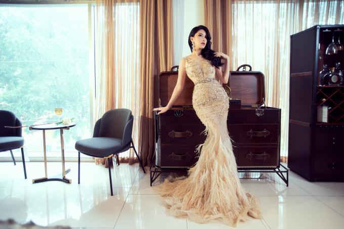 Hoa hậu Loan Vương cho biết rất thích phong cách và thiết bị nội thất tại An Dương Home nên quyết định thực hiện một bộ ảnh thời trang.