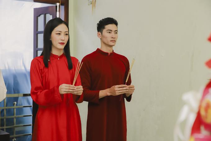 Cả hai trải qua nhiều nghi lễ truyền thống trong đám hỏi. Khi tiến đến hôn nhân với Nguyệt, Tùng chấp nhận gây dựng lại sự nghiệp ở Hà Nam để cuộc sống vợ chồng thêm gắn bó. Cặp uyên ương chụp hình cưới hôm 21/10 và sẽ tổ chức lễ cưới hôm 2/11.