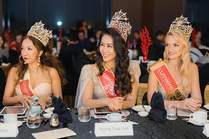 Không chỉ xuất hiện với vai trò đương kim hoa hậu, Dương Thùy Linh cònlà một trong những giám khảo của cuộc thi năm nay.