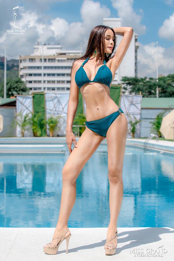 Mỹ nhân Thái Lan được khán giả yêu thích với thân hình bốc lửa.