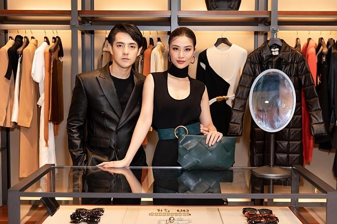 Cặp đôi Đông Nhi –Ông Cao Thắng có mặt tại cửa hàng Bottega Veneta HCM để tham gia sự kiện ra mắt BST mùa Thu-Đông
