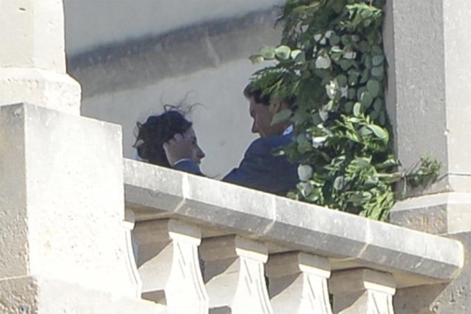 Khoảnh khắc thân mật, tình cảm của vợ chồng Nadal tại pháo đài trong ngày cưới. Ảnh: AS.