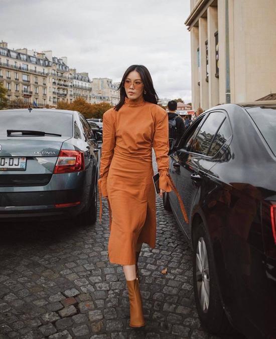 Một cây màu nau từ váy cổ lọ cho tới bốt cao cổ cho phái đẹp yêu thích những xu hướng nổi bật của thời trang thu đông 2019.