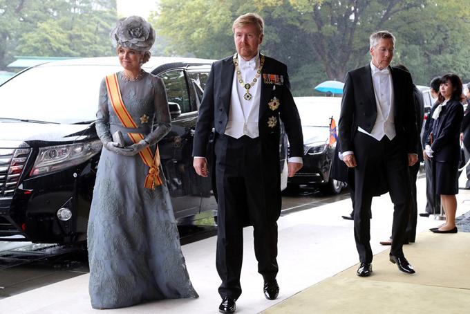 Vua Willem-Alexander và Hoàng hậu Maxima Hà Lan nằm trong số những khách mời đến Hoàng cung ở Tokyo dự lễ đăng quang của Nhật hoàng Naruhito.Ảnh:Reuters.