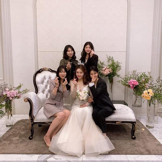 Cựu thành viên T-ara cưới - 6
