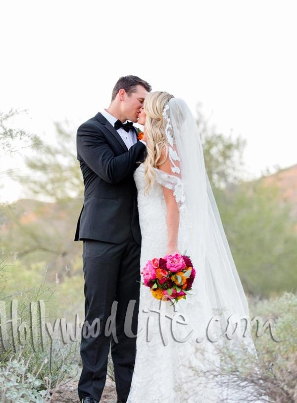 Sarah kết hôn với bạn trai sau gần một năm đính ước. Cô được Conner Ryan Combs cầu hôn tại Thái Lan vào tháng 12/2018 ngay sau đêm chung kết Miss Universe. Cặp đôi đã hẹn hò từ năm 2018.