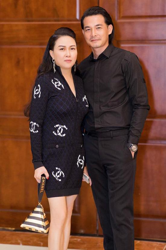 Phượng Chanel đang có cuộc sống hạnh phúc bên diễn viên Quách Ngọc Ngoan. Cặp đôi tiết lộ đã đính hôn nhưng chưa có kế hoạch tổ chức hôn lễ.