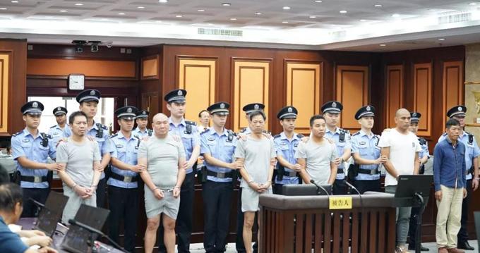 6 bị cáo âm mưu giết người được tòa án Nam Ninh, Trung Quốc xét xử hôm 18/10. Ảnh: ChinaImage.