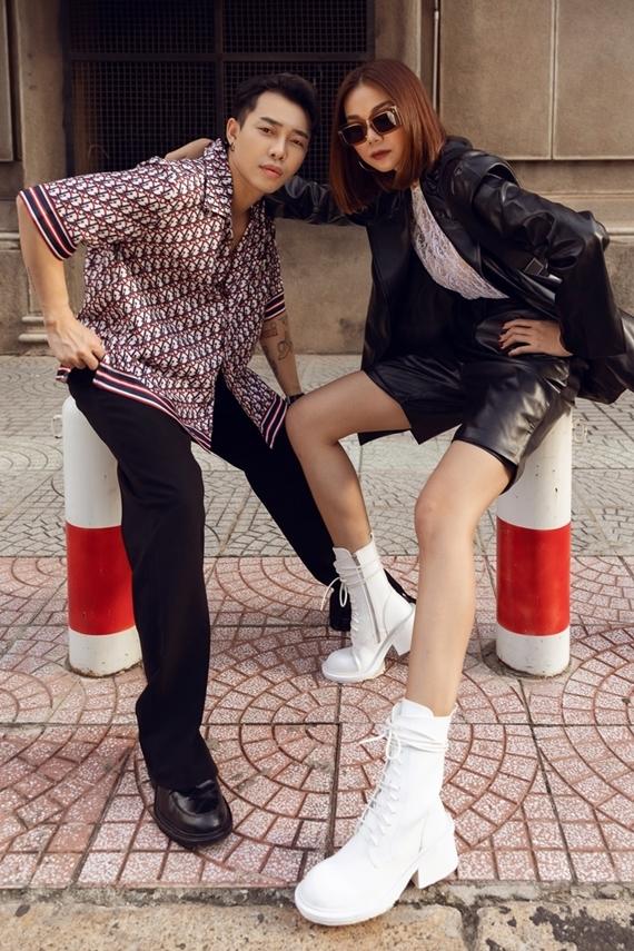 Thanh Hằng khoe đôi chân dài 1m12 bên người em thân thiết trong nghề - stylist Hoàng Ku.