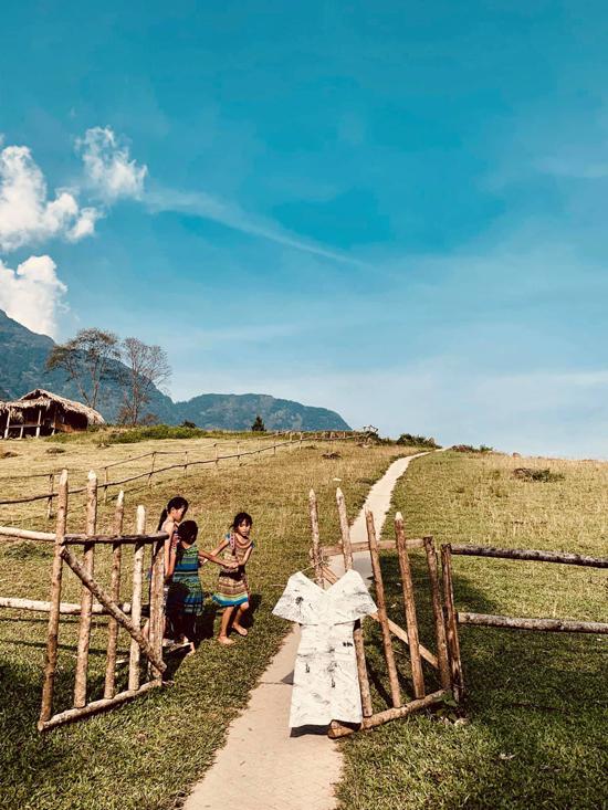 Lê Thanh Hòa phải bỏ ý tưởng tổ chức show diễn giữa núi đồi Sa Pa vì việc di chuyển khó khăn, tốn nhiều thời gian.