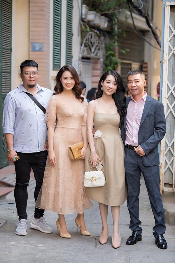 Hồng Diễm và Công Lý hội ngộ diễn viên Thùy Anh và chuyên gia trang điểm Thái Phạm tại sự kiện.