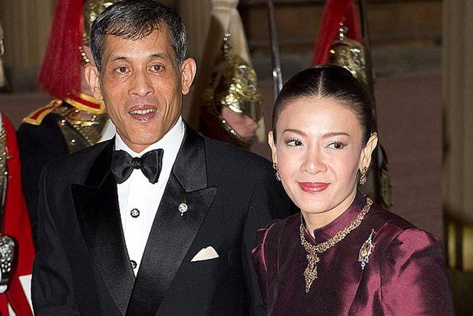 Bà Srirasmi, vợ thứ 3 của nhà vua Vajirusongkorn bị phế làm dân thường năm 2014. Ảnh: AP.