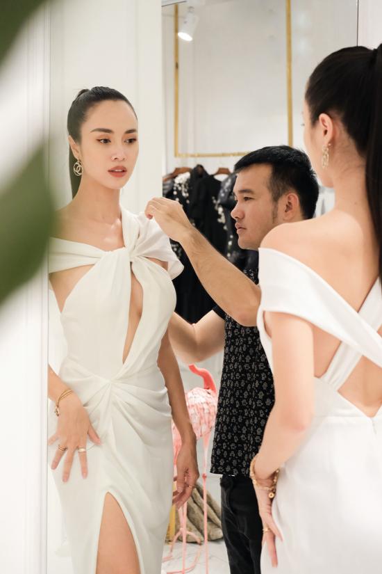 Show diễn tại Sa Pa của Lê Thanh Hòa sẽ có sự góp mặt của hơn 100 ngôi sao nổi tiếng. Trong đó Vũ Ngọc Anh cũng là khách mời đặc biệt.