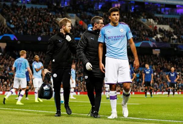 Tiền vệ Rodri là bản hợp đồng kỷ lục mùa hè của Man City nhưng ra sân trong trận gặp Atalanta ở vị trí trung vệ