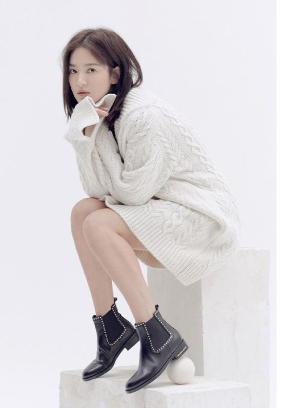 Song Hye Kyo kín cổng cao tường - 4