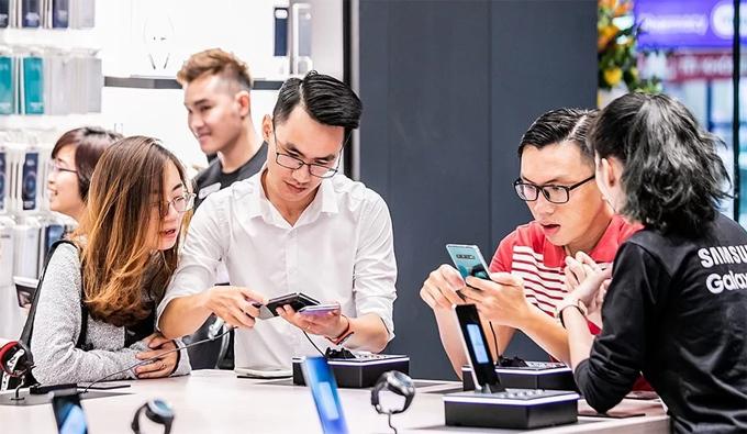 Với thông điệp là Nơi Đánh Thức Tiềm Năng, Samsung 68 vẫn còn rất nhiều hoạt động thú vị như giao lưu các chủ đề thuộc mọi lĩnh vực, từ văn hóa, điện ảnh, sức khỏe, nhiếp ảnh, du lịch, thời trang, ẩm thực,... cho đến thể thao. Đây là địa điểm thường được chọn để tổ chức các workshop, nơi mọi người vừa được thư giãn, vừa được học và giao lưu với rất nhiều người bạn mới có chung quan tâm, sở thích với mình và được hỗ trợ bởi các sản phẩm của Samsung cùng những người nổi tiếng trong từng lĩnh vực khác nhau.