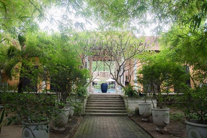 Một góc trong biệt thự của bà Dung.