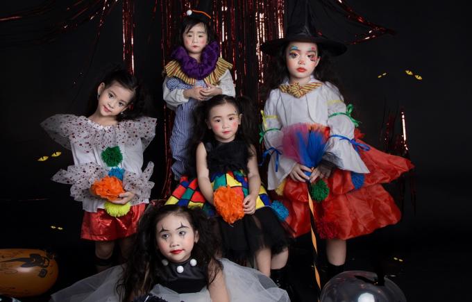 Bộ ảnh được thực hiện với sự hỗ trợ của team nhiếp ảnh Hào Alo Production, trang điểm và làm tóc Lisa Thạch, trang phục của nhà thiết kếYou Yên, stylist Nguyễn Viết Cư và Hồng Trà, người mẫu My Lêchỉ đạo diễn xuất mẫu nhí.