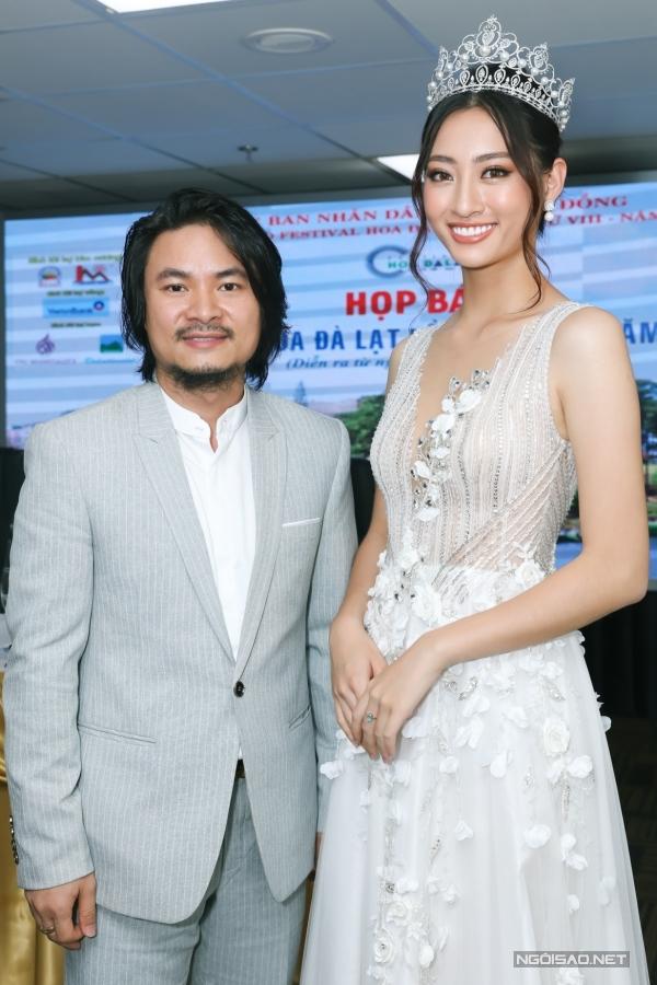 Ngay sau họp báo, Thuỳ Linh liền di chuyển ra sân bay đi Sapa dự show thời trang của nhà thiết kế Lê Thanh Hòa.