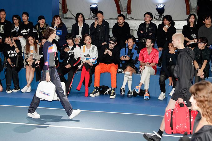 Onitsuka Tiger là thương hiệu thời trang hơn 70 năm tuổi đến từ Nhật Bản. Thời trang của hãng lấy cảm hứng từ phong cách thể thao thông qua những thiết kế mang đến sự thoải mái tối ưu nhưng vẫn không kém phần sáng tạo.