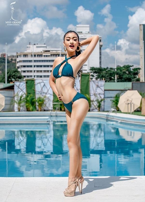 Kiều Loan biết tạo sự khác biệt ở phần thi bikini nhờ mẹo buộc chéo dây áo và cách tạo dáng nghiêng người. Tuy nhiên, cô nhận nhiều ý kiến trái chiều về nhược điểm đôi chân kém thon gọn.