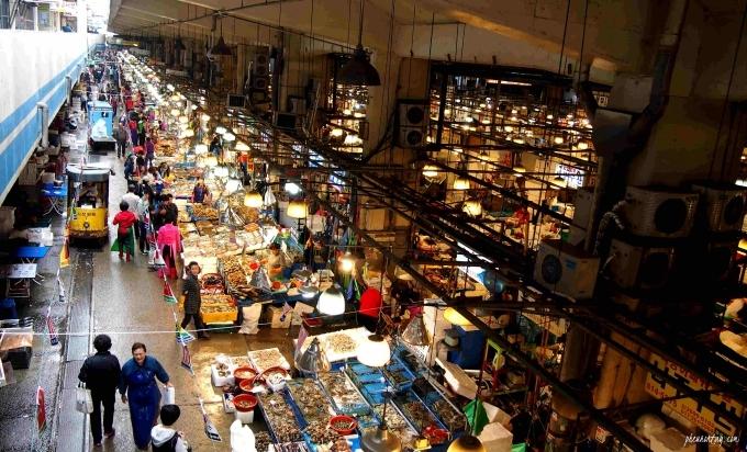 Toàn cảnh chợ Noryangjing