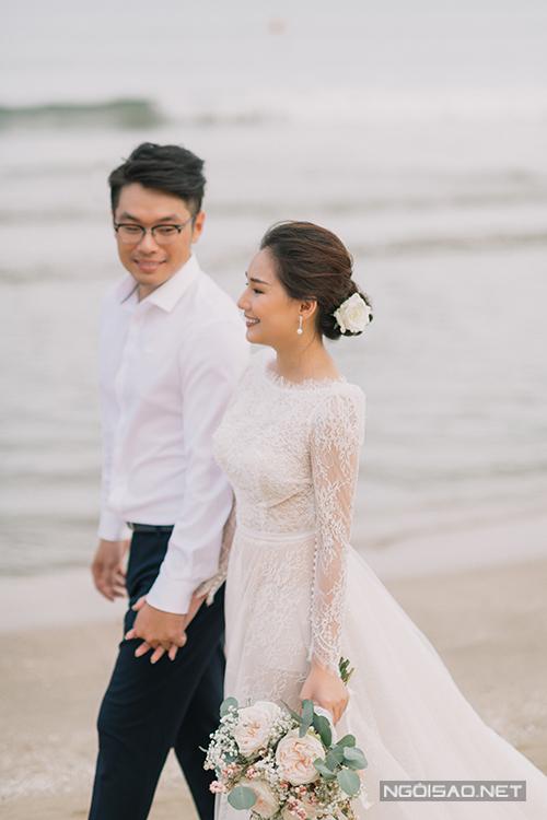 Cô dâu thay sang mẫu váy Fairy dress cho bối cảnh chụp hình tiếp theo.
