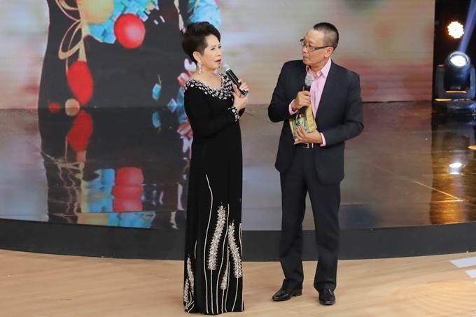 Ở tuổi 77, Phương Dung vẫn giữ nhan sắc cuốn hút và giọng ca ngọt ngào.