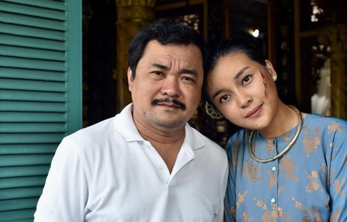 Cao Thái Hà và đạo diễn Phương Điền trên trường quay.