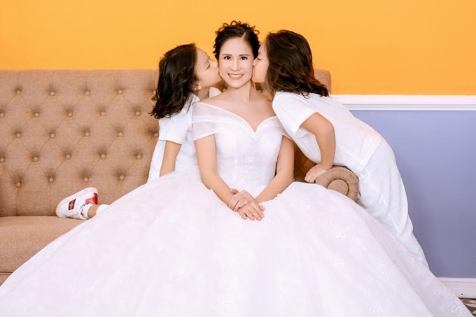 Từng trải qua một cuộc hôn nhân đổ vỡ và chấp nhận làm mẹ đơn thân, diễn viên Cuộc đối đầu hoàn hảo dồn hết tình yêu cho các con.