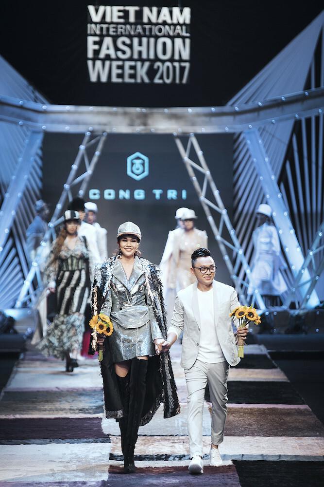 Bộ sưu tập của nhà thiết kế Công Trí được trình diễn tạiAquafina Vietnam International Fashion Week. Ảnh: VIFW