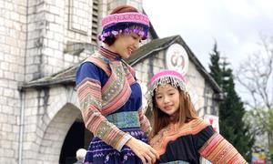 Ngọc Diễm cùng con gái dạo chơi ở Sapa